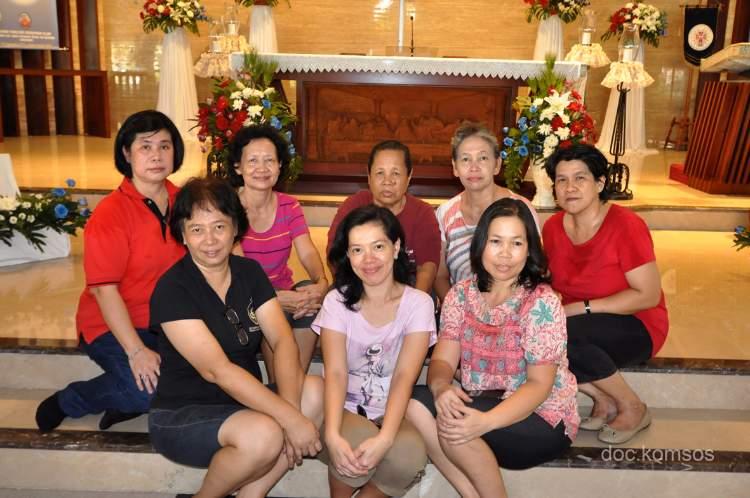 Hiasan Bunga untuk Altar Gereja Ku
